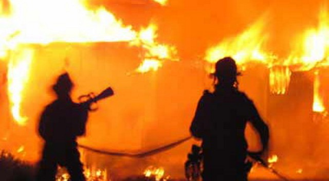 https: img-o.okeinfo.net content 2019 10 13 338 2116297 kebakaran-di-gedung-pelni-diduga-kuat-akibat-korsleting-listrik-cwWEnthVd5.jpg