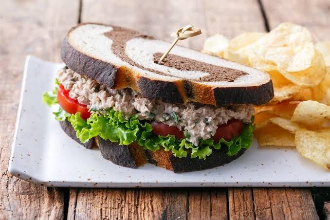 https: img-o.okeinfo.net content 2019 10 14 298 2116826 5-sandwich-lezat-ini-bisa-membantu-diet-kamu-yuk-coba-1cESKuo171.jpg