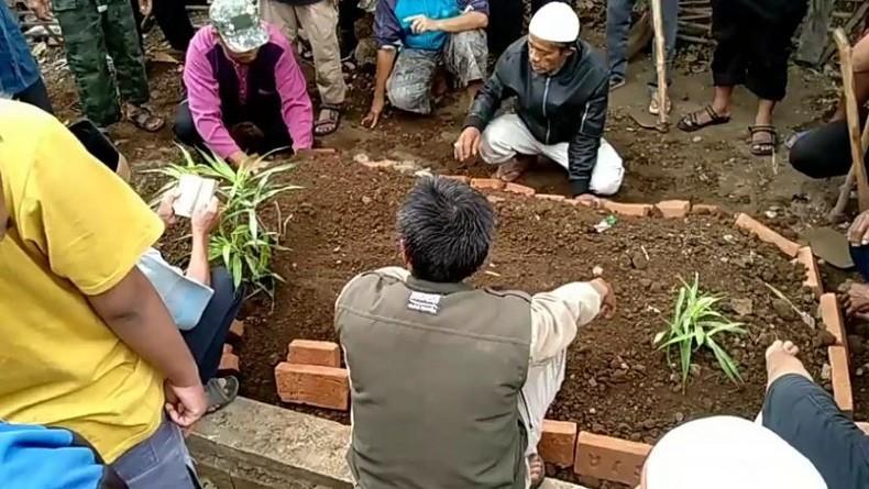 https: img-o.okeinfo.net content 2019 10 14 337 2116673 napi-teroris-asal-tasikmalaya-meninggal-di-lapas-nusakambangan-JSVvdOQQP2.JPG