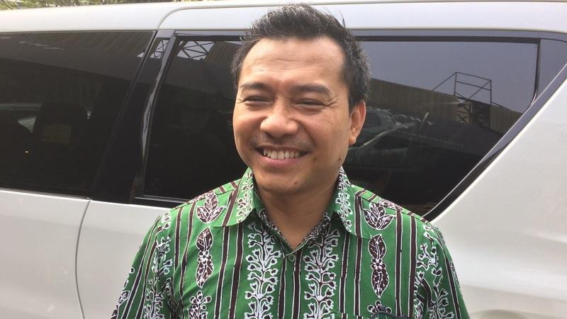 https: img-o.okeinfo.net content 2019 10 16 33 2117511 hot-gosip-tetangga-anang-ikut-indonesian-idol-hingga-kasus-jeremy-thomas-J4YjSr5UGX.jpg