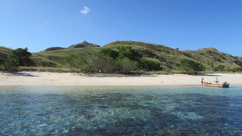 https: img-o.okeinfo.net content 2019 10 18 406 2118688 5-pulau-dengan-pantai-terindah-di-indonesia-selain-bali-A4OIkaqQcr.jpg