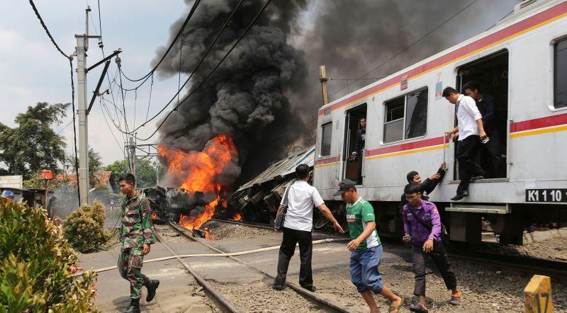 https: img-o.okeinfo.net content 2019 10 19 337 2118962 peristiwa-19-oktober-tragedi-bintaro-hingga-timor-leste-merdeka-dari-indonesia-HVuKmQdIvY.jpg