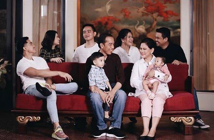 https: img-o.okeinfo.net content 2019 10 19 612 2119173 dari-soekarno-hingga-jokowi-ini-hobi-unik-presiden-indonesia-argw0G4Q3b.jpg