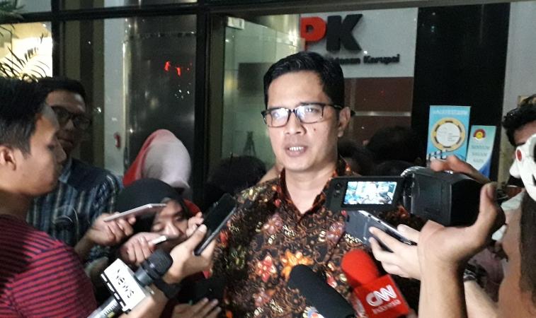 https: img-o.okeinfo.net content 2019 10 21 337 2119869 periksa-adik-bambang-widjojanto-kpk-selisik-proses-pengadaan-qcc-di-pelindo-ii-CqO5c9gFb7.jpg