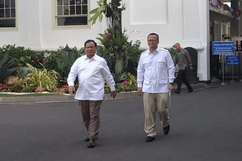https: img-o.okeinfo.net content 2019 10 22 337 2120072 prabowo-jadi-calon-menhan-ketua-mpr-harap-pertahanan-bangsa-indonesia-disegani-hhxYx82T85.jpg