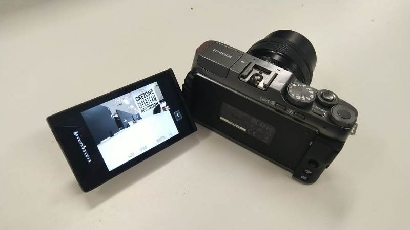 https: img-o.okeinfo.net content 2019 10 22 92 2120287 jajal-fujifilm-x-a7-kamera-mirrorless-dengan-lcd-putar-ZDziUW9I8P.jpg