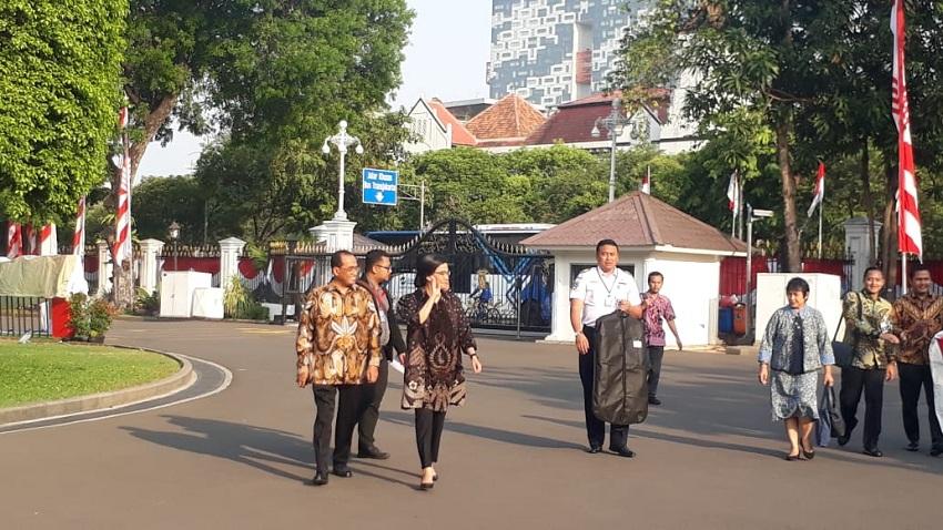 https: img-o.okeinfo.net content 2019 10 23 320 2120573 wajah-lama-menghiasi-kabinet-indonesia-maju-bidang-ekonomi-ini-daftarnya-P8M3iKcVXx.jpeg