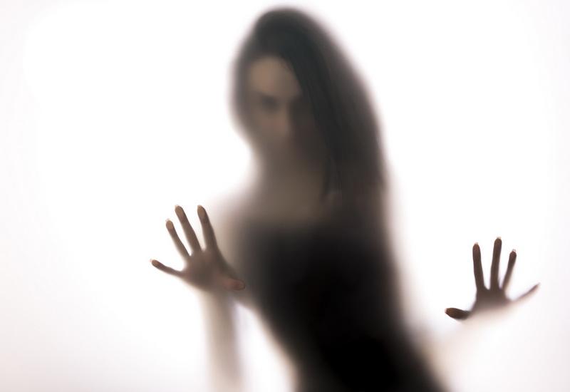 https: img-o.okeinfo.net content 2019 10 24 612 2121197 mengenal-spectrophillia-aktivitas-seks-dengan-hantu-mMkbdcVHY0.jpg