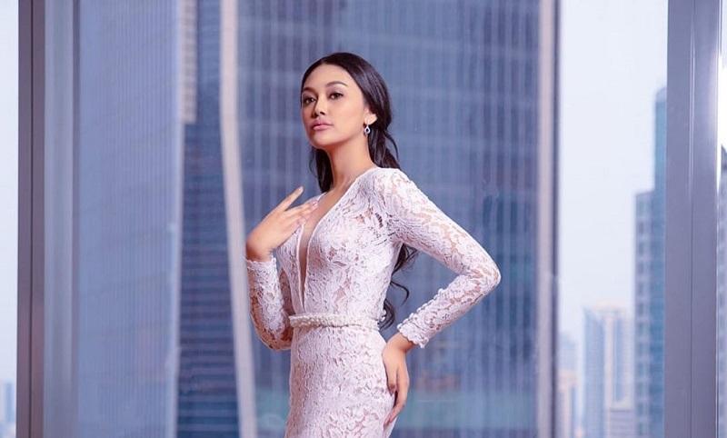 https: img-o.okeinfo.net content 2019 10 26 194 2121998 debut-di-jfw-2020-miss-indonesia-2019-princess-megonondo-deg-degan-tapi-bahagia-yKcWjtQuQO.jpg
