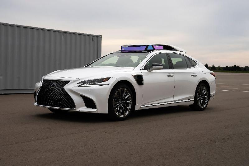 https: img-o.okeinfo.net content 2019 10 28 52 2122555 lexus-ujicobakan-sedan-ls-berteknologi-kendara-otonom-selama-olimpiade-2020-SlehFC24Lv.jpg