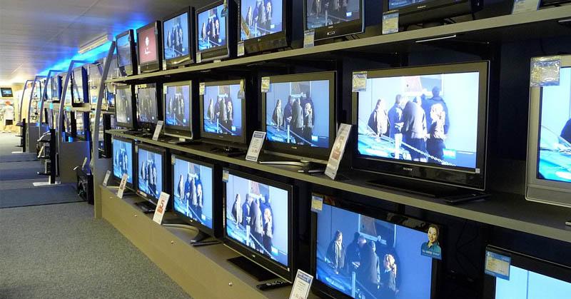 https: img-o.okeinfo.net content 2019 10 28 54 2122809 soal-penyiaran-menkominfo-johnny-fokus-migrasi-tv-analog-ke-digital-8p2aaG5vAP.jpg