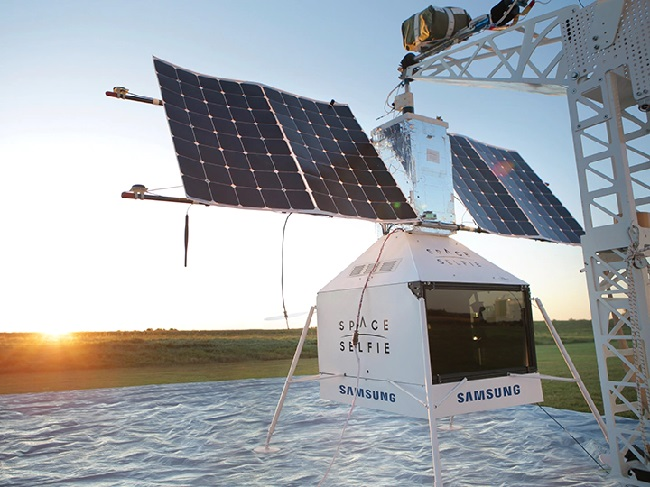 https: img-o.okeinfo.net content 2019 10 28 56 2122560 satelit-space-selfie-samsung-jatuh-di-pekarangan-rumah-warga-SiRT4QBtKk.jpg
