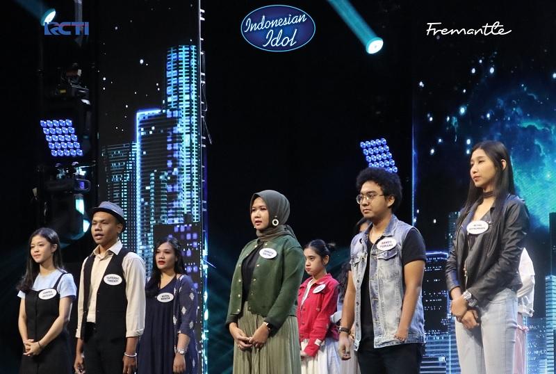 https: img-o.okeinfo.net content 2019 10 28 598 2122884 bersuara-khas-ziva-magnolya-ainun-irsani-lolos-babak-eliminasi-indonesian-idol-2d7kQDGYo2.jpg