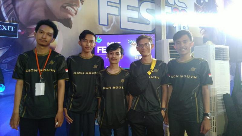 https: img-o.okeinfo.net content 2019 11 03 326 2125183 dfn-esports-beraksi-di-turnamen-esports-mobile-legends-mnc-fest-2019-8o8ffXzWbl.jpg