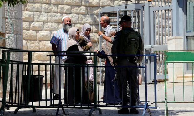 https: img-o.okeinfo.net content 2019 11 04 18 2125470 rekaman-video-polisi-israel-tembak-pria-palestina-dari-belakang-dibocorkan-ke-publik-7grPAwWCel.jpg