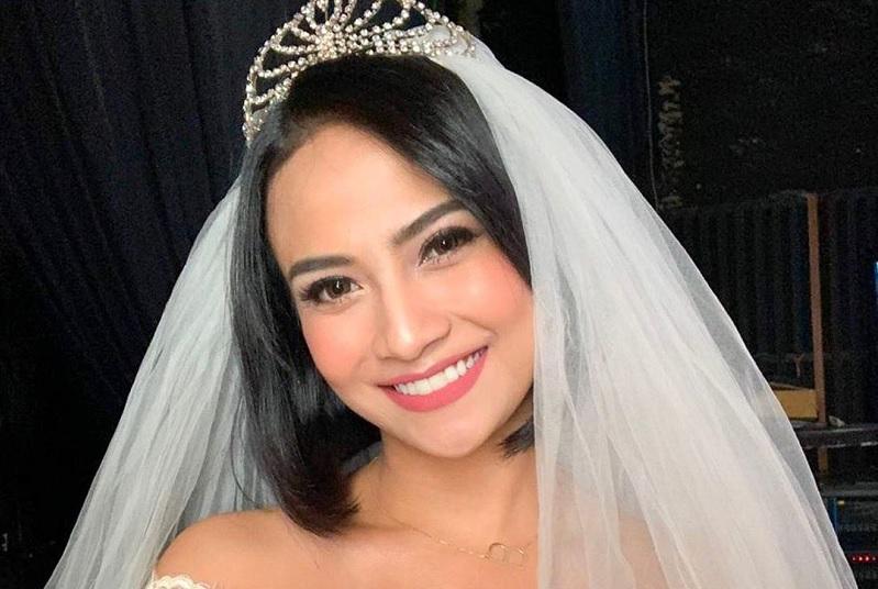 https: img-o.okeinfo.net content 2019 11 05 33 2126170 bicara-pernikahan-impian-vanessa-angel-ungkap-lokasi-resepsi-idaman-8lQMuOkPcb.jpg