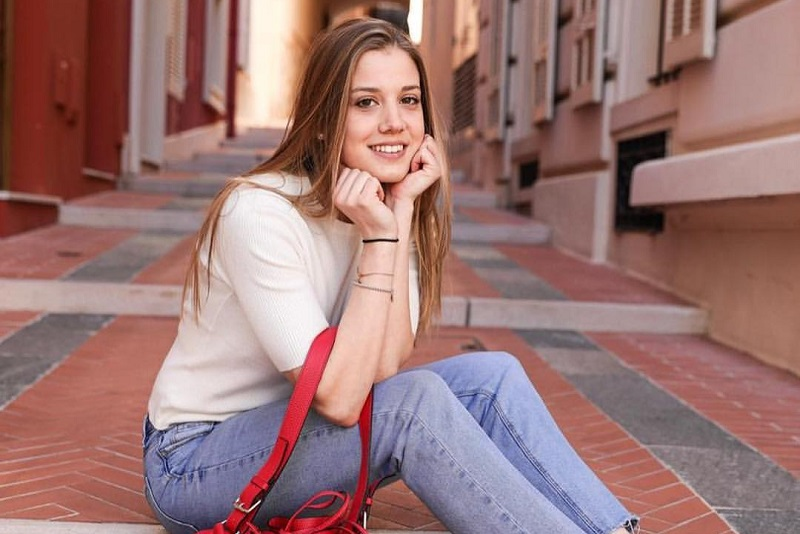 https: img-o.okeinfo.net content 2019 11 06 194 2126515 pesona-giada-gianni-model-cantik-mantan-pacar-pembalap-fi-charles-leclerc-2Zin84Ynsd.jpg
