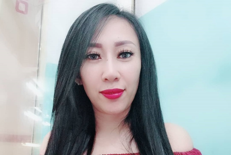 https: img-o.okeinfo.net content 2019 11 07 33 2127002 pamer-foto-topless-dewi-sanca-banjir-hujatan-netizen-GscyfzTpve.jpg