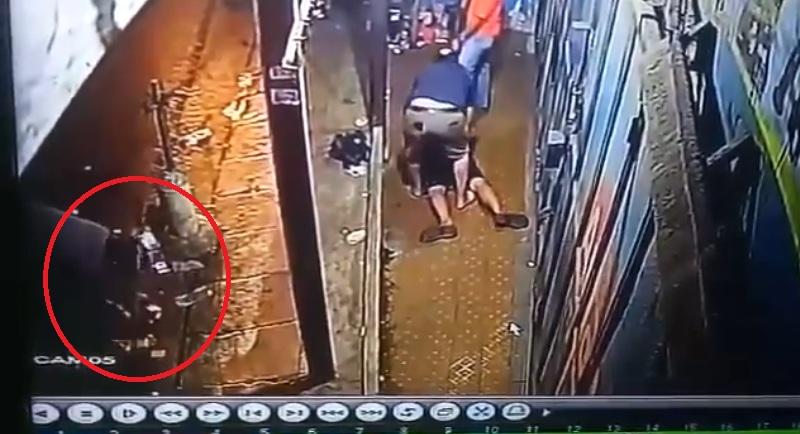 https: img-o.okeinfo.net content 2019 11 07 337 2127059 viral-video-pemuda-disebut-dijebak-bawa-narkoba-ZwiBgBEtPT.jpg