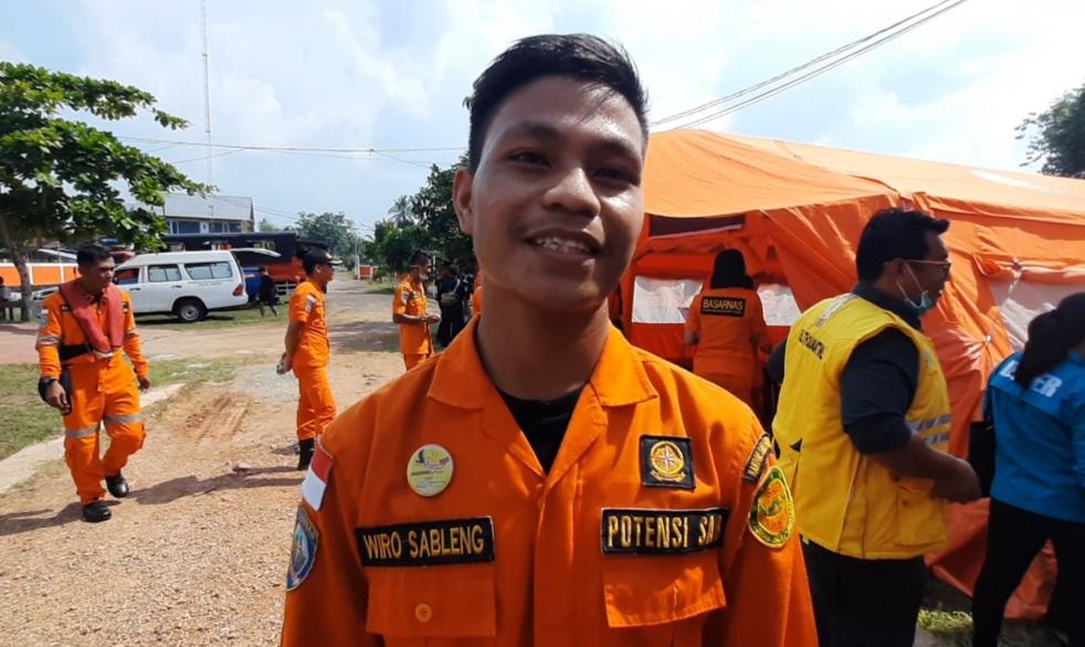 https: img-o.okeinfo.net content 2019 11 07 340 2126815 pria-bernama-wiro-sableng-jadi-pahlawan-bencana-di-kalbar-F1atNfQfZG.jpg