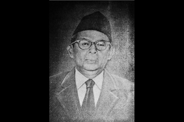https: img-o.okeinfo.net content 2019 11 08 337 2127572 abdul-kahar-mudzakkir-pejuang-dan-cendekiawan-yang-dianugerahi-gelar-pahlawan-nasional-KtHWsHgcHK.jpg