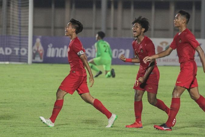 https: img-o.okeinfo.net content 2019 11 08 51 2127395 sejumlah-pemain-timnas-indonesia-u-19-jadi-perhatian-pelatih-hong-kong-x7gAUXfeI9.jpg