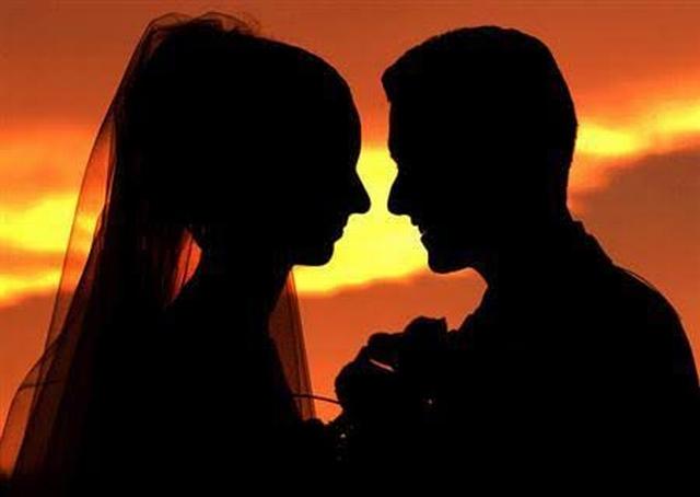 https: img-o.okeinfo.net content 2019 11 09 18 2127756 pria-lamar-kekasih-di-restoran-kfc-viral-warganet-patungan-bantu-proses-pernikahan-6OafvrUTcR.jpg