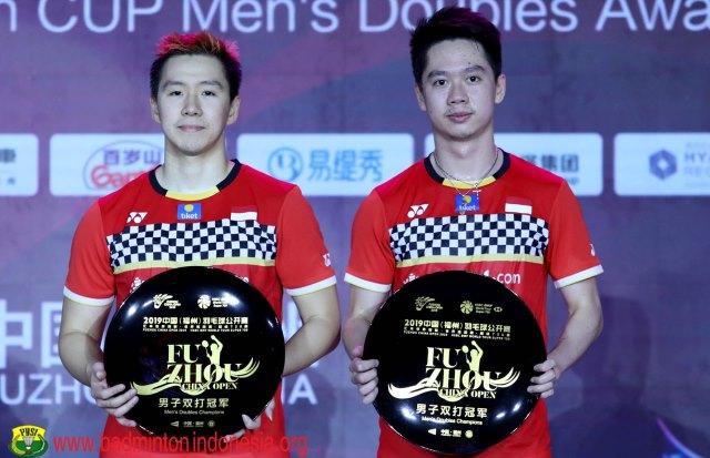 https: img-o.okeinfo.net content 2019 11 10 40 2128096 puasnya-marcus-kevin-pertahankan-gelar-fuzhou-china-open-2019-Hq6FKBbR0k.jpg