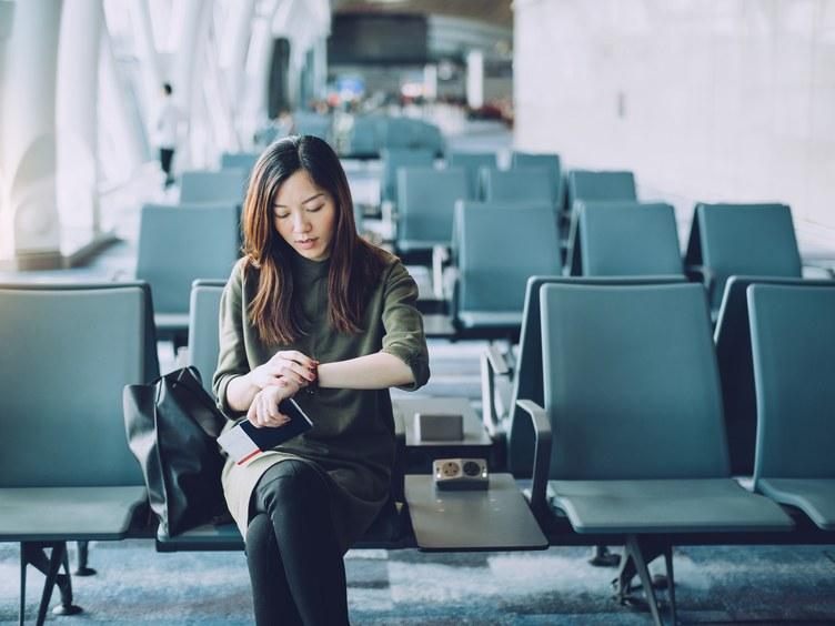 https: img-o.okeinfo.net content 2019 11 12 406 2128901 wanita-ini-tuntut-maskapai-penerbangan-karena-dituduh-berbuat-mesum-LyouqAt87Z.jpg