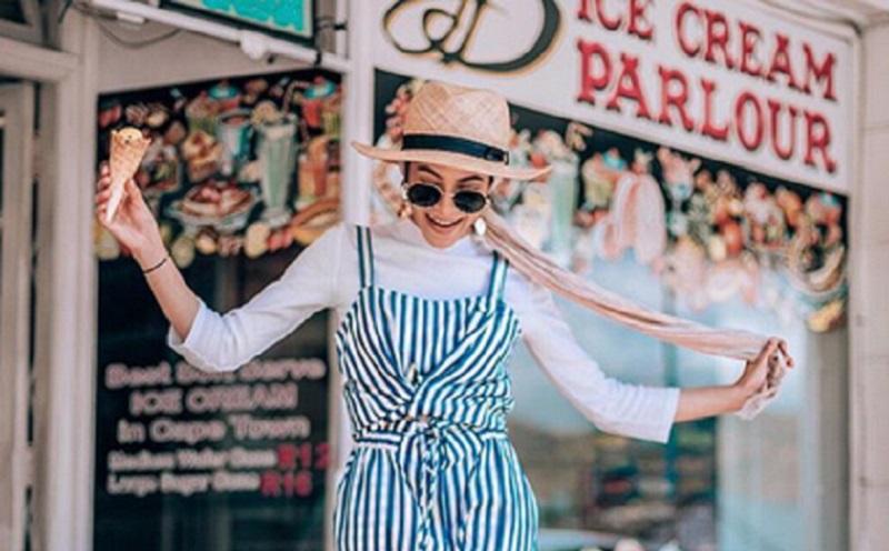 https: img-o.okeinfo.net content 2019 11 13 617 2129367 4-gaya-hijab-stripe-cerah-yang-membuatmu-tampak-ceria-3vg5GGGQg5.jpg