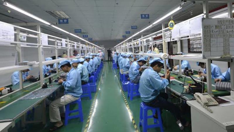 https: img-o.okeinfo.net content 2019 11 15 57 2130488 karyawan-pabrik-headphone-di-china-bisa-tidur-setelah-makan-siang-14W7cPhVpS.jpg