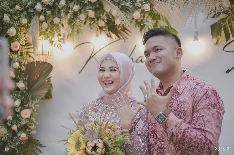 https: img-o.okeinfo.net content 2019 11 17 33 2130824 yakin-kekasihnya-orang-baik-kesha-ratuliu-tak-takut-menikah-muda-Kz7KeMfNZm.jpg
