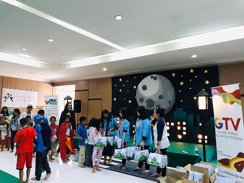 https: img-o.okeinfo.net content 2019 11 17 337 2130873 mnc-peduli-gelar-charity-children-camp-2019-di-cianjur-zGWCHS6Fdr.jpg