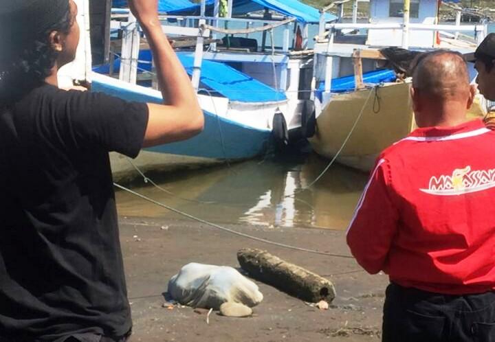 https: img-o.okeinfo.net content 2019 11 18 609 2131238 mayat-perempuan-terbungkus-seprai-ditemukan-di-pinggir-sungai-nfSG5LZv9X.jpg