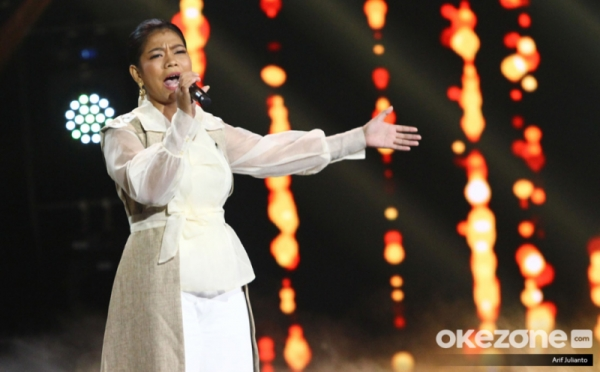 https: img-o.okeinfo.net content 2019 11 19 598 2131706 dukung-ainun-di-spektakuler-indonesian-idol-ini-penampakan-kak-jerry-t6ezUJChUn.jpg