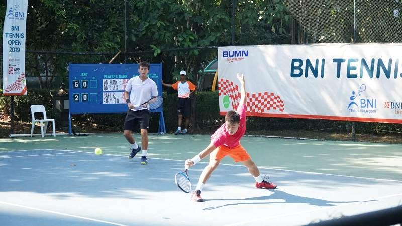 https: img-o.okeinfo.net content 2019 11 20 320 2132097 bni-tennis-open-2019-anthony-dan-david-susanto-melaju-ke-perempat-final-32cdQtlvkl.jpg