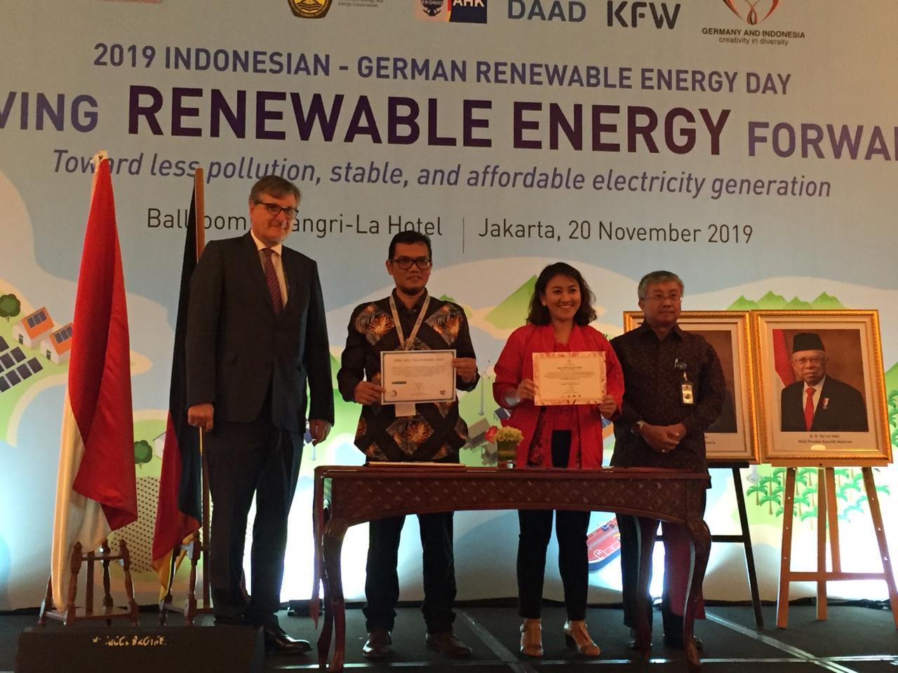 https: img-o.okeinfo.net content 2019 11 20 320 2132136 gandeng-jerman-ri-kembangkan-listrik-dari-energi-terbarukan-di-1-000-pulau-D9ld309bNm.jpg