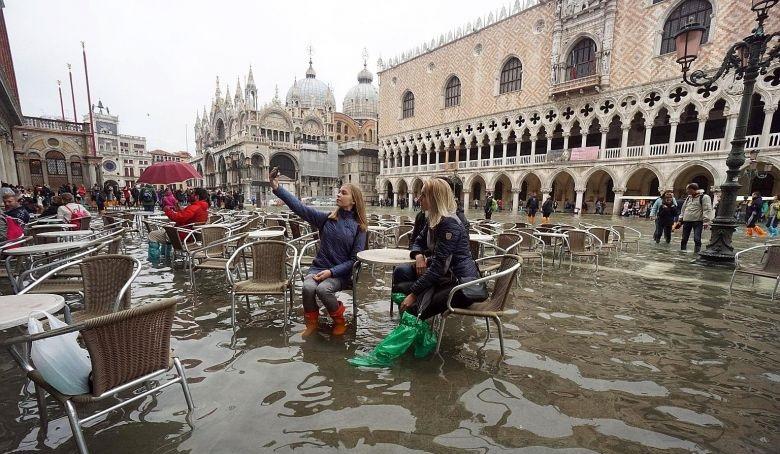 https: img-o.okeinfo.net content 2019 11 22 406 2133251 venesia-banjir-masih-bisakah-dikunjungi-LayUg4uf4n.jpg