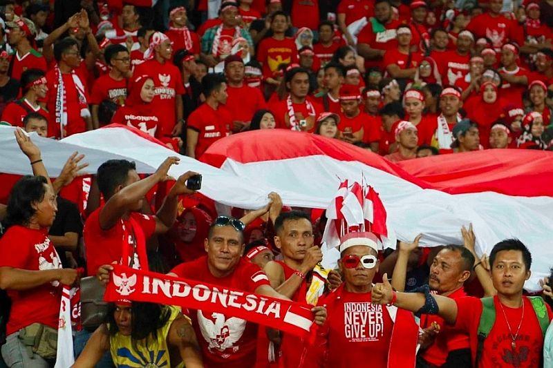 https: img-o.okeinfo.net content 2019 11 24 337 2133753 masyarakat-diimbau-tak-emosi-hadapi-soal-suporter-indonesia-di-malaysia-2XXAMXgu2J.jpg