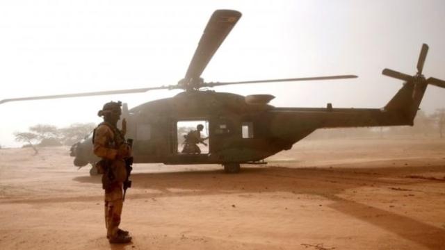 https: img-o.okeinfo.net content 2019 11 26 18 2134769 13-tentara-prancis-tewas-usai-dua-helikopter-tabrakan-di-udara-87zkT7BAza.jpg