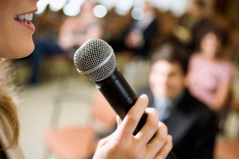 https: img-o.okeinfo.net content 2019 11 27 196 2135056 penunjang-karier-ini-tips-punya-kemampuan-public-speaking-yang-baik-JypuVSPJQp.jpg