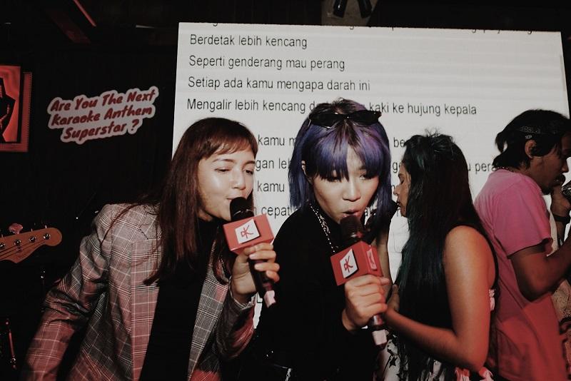 https: img-o.okeinfo.net content 2019 11 27 205 2135049 ramengvrl-hingga-ben-sihombing-asyik-karaoke-bersama-aIO8Fkm86y.jpg
