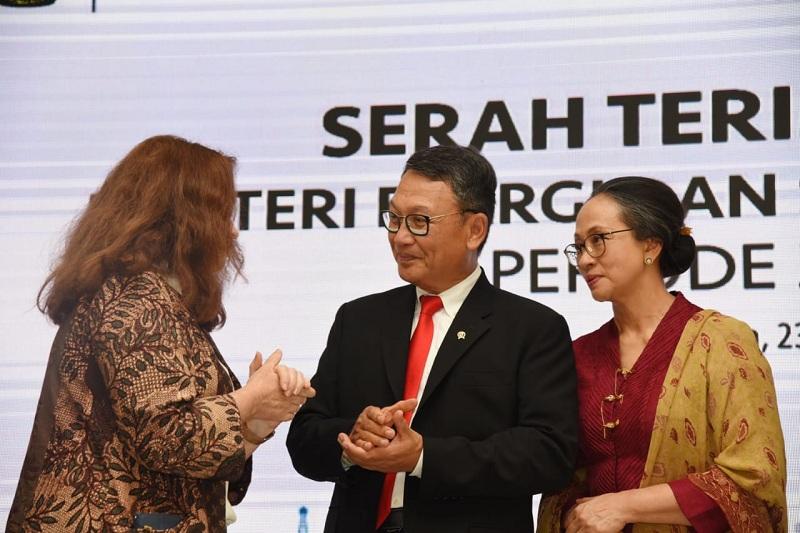 https: img-o.okeinfo.net content 2019 11 27 320 2135247 ri-bakal-stop-pasokan-gas-ke-singapura-LHYEWfmCTp.jpg