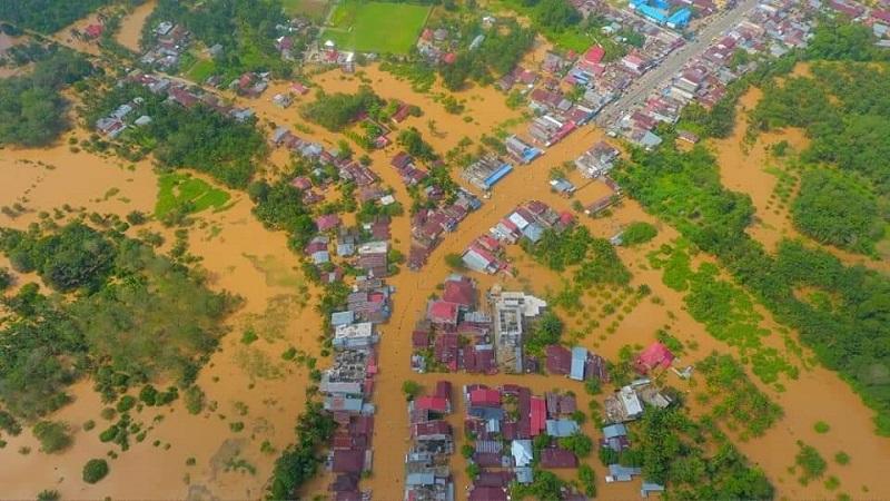 https: img-o.okeinfo.net content 2019 11 27 340 2134903 7-kecamatan-di-rokan-hulu-riau-terendam-banjir-xQOY6b5lKp.jpg