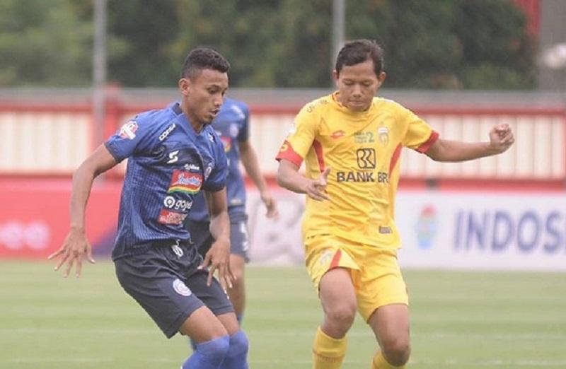 https: img-o.okeinfo.net content 2019 11 27 49 2135153 bhayangkara-tekuk-arema-1-0-di-stadion-ptik-UDfqdrKPNl.jpg
