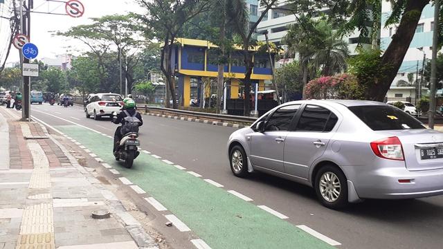 https: img-o.okeinfo.net content 2019 11 27 525 2135002 kota-bandung-belum-siap-untuk-penerapan-aturan-jalur-sepeda-lOalPvx8D9.jpg