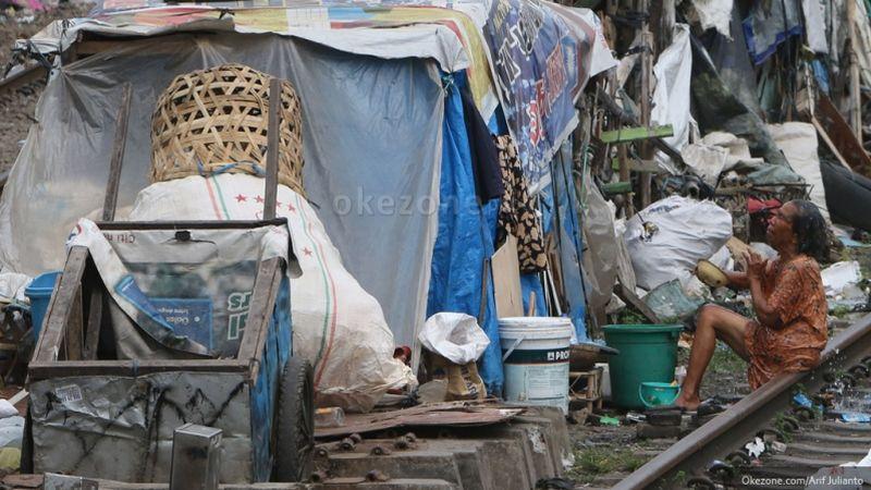 https: img-o.okeinfo.net content 2019 11 28 337 2135704 dpr-minta-bps-evaluasi-data-kemiskinan-di-seluruh-daerah-q0uHPDmvKa.jpg