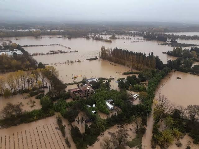 https: img-o.okeinfo.net content 2019 12 02 18 2137044 helikopter-jatuh-3-petugas-prancis-tewas-saat-misi-penyelamatan-banjir-5kEt1uBdKx.jpg