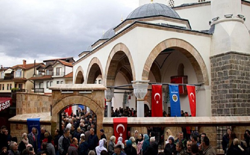 https: img-o.okeinfo.net content 2019 12 02 615 2137025 azan-dikumandangkan-di-masjid-kuno-makedonia-utara-pertama-kalinya-dalam-107-tahun-TeDnUqSIWf.jpg
