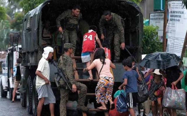 https: img-o.okeinfo.net content 2019 12 03 18 2137277 topan-kammuri-hantam-filipina-memaksa-ribuan-orang-dievakuasi-f44v0tC72S.jpg